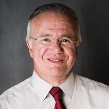 RENAULT DE FREITAS CASTRO Presidente Executivo da Abralatas Economista formado pela UnB, com MBA em Direito Econômico pela FGV e mestrado (M.Sc.) pela Universidade de Oxford, Inglaterra.